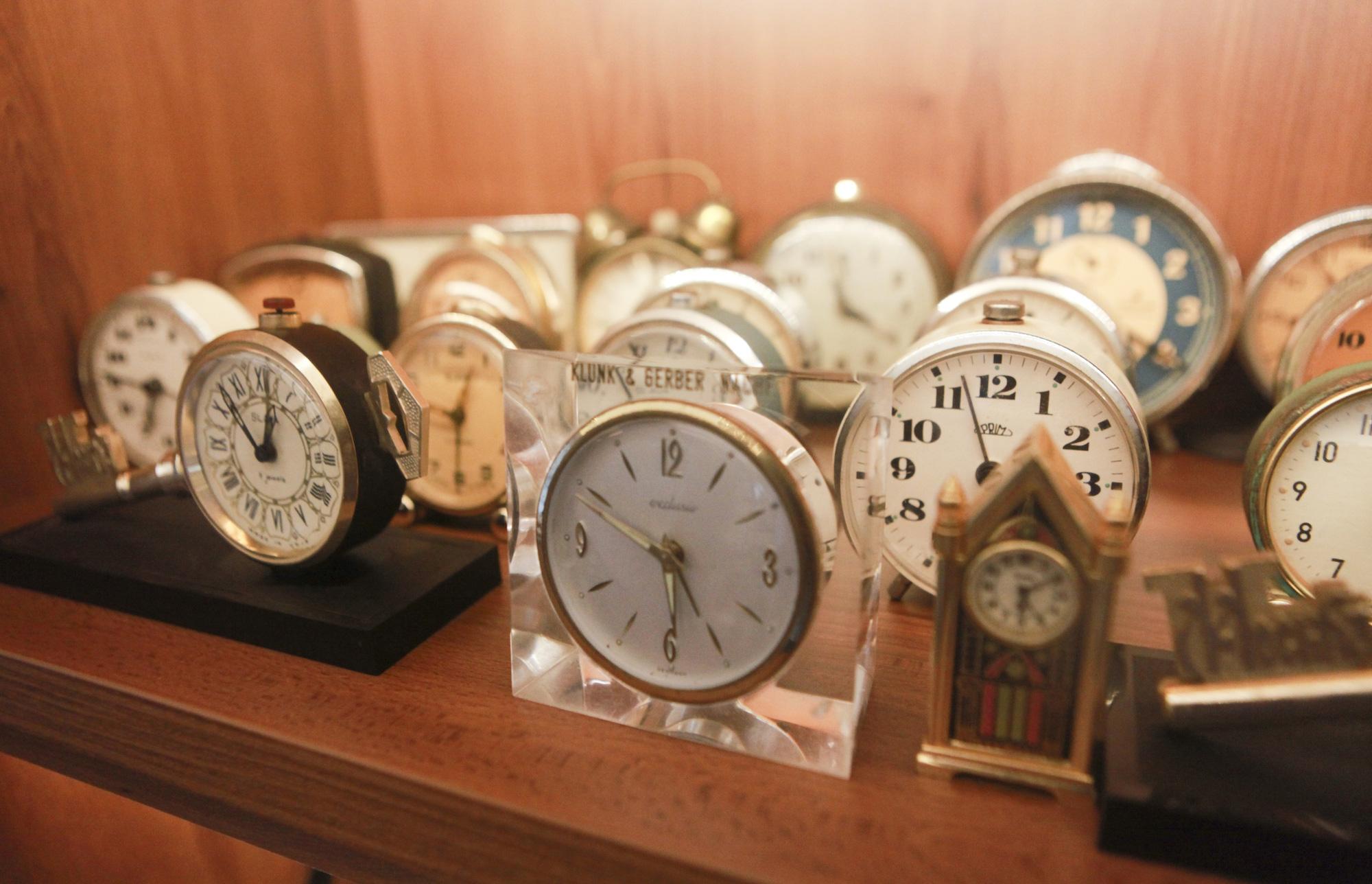 """Ông lão Hà thành và bộ sưu tập đồng hồ """"cực khủng"""", đặc biệt có chiếc có khả năng dự báo... """"bão"""" - Ảnh 5."""