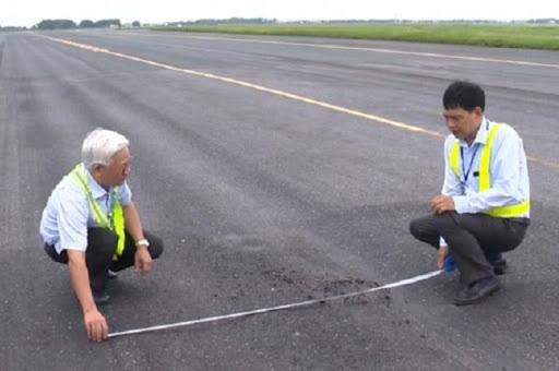 Đường băng Nội Bài - Tân Sơn Nhất sửa chữa theo hình thức giao thầu - Ảnh 2.