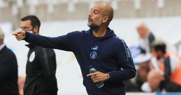 Man City thắng dễ như lấy đồ trong túi, Guardiola lo lắng thừa nhận 1 điều - Ảnh 1.