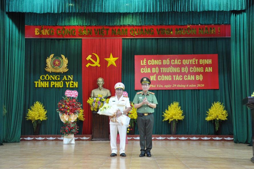 Đại tá Phan Thanh Tám được bổ nhiệm Giám đốc Công an Phú Yên thay Thiếu tướng Phan Văn Thanh - Ảnh 1.