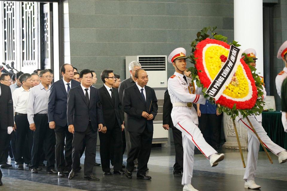 Lãnh đạo Đảng, Nhà nước đến viếng tại lễ tang đồng chí Vũ Mão - Ảnh 2.