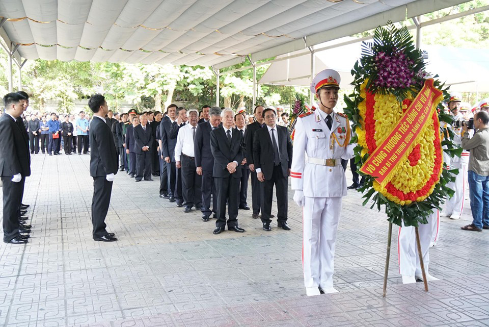 Lãnh đạo Đảng, Nhà nước đến viếng tại lễ tang đồng chí Vũ Mão - Ảnh 11.