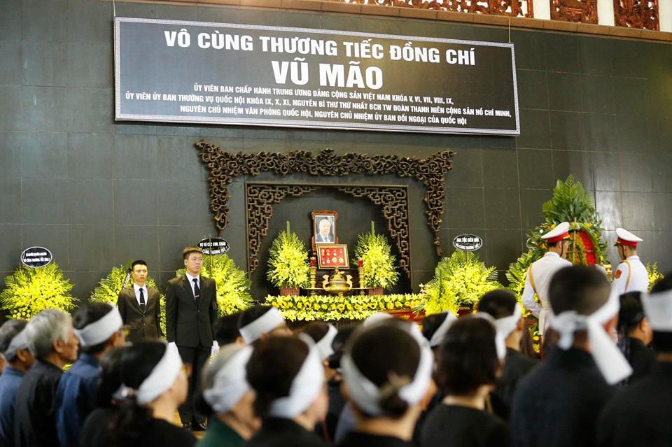 Lãnh đạo Đảng, Nhà nước đến viếng tại lễ tang đồng chí Vũ Mão - Ảnh 1.