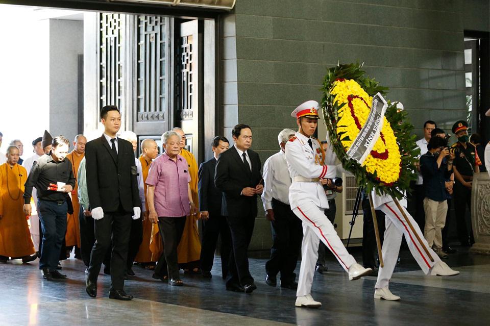 Lãnh đạo Đảng, Nhà nước đến viếng tại lễ tang đồng chí Vũ Mão - Ảnh 5.