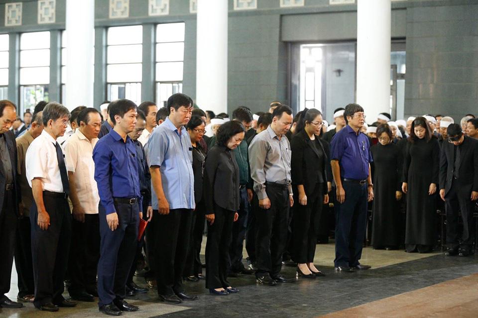 Lãnh đạo Đảng, Nhà nước đến viếng tại lễ tang đồng chí Vũ Mão - Ảnh 6.