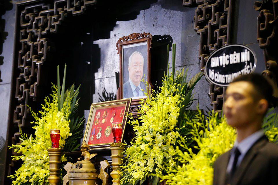 Lãnh đạo Đảng, Nhà nước đến viếng tại lễ tang đồng chí Vũ Mão - Ảnh 4.