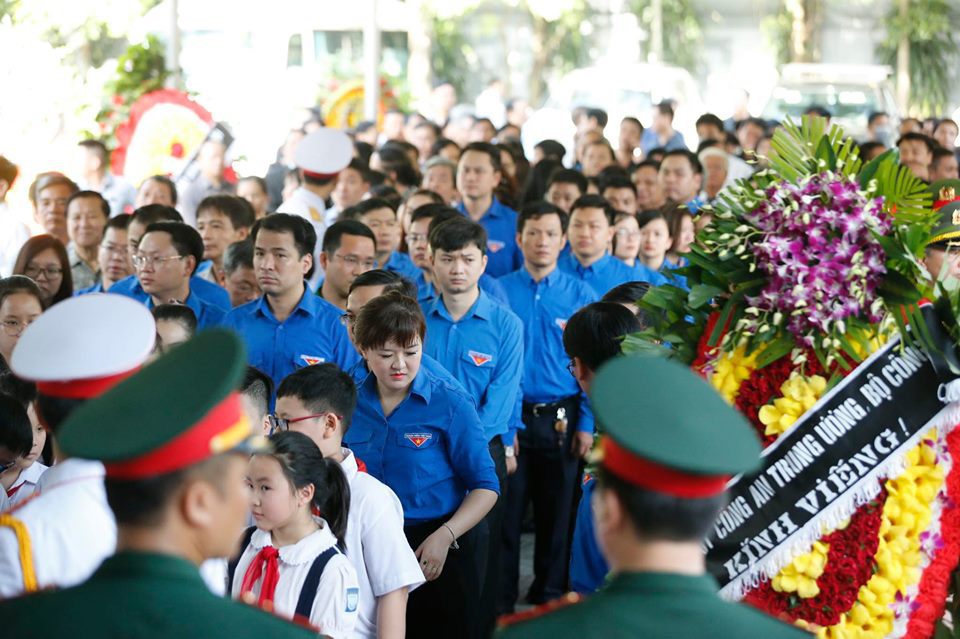 Lãnh đạo Đảng, Nhà nước đến viếng tại lễ tang đồng chí Vũ Mão - Ảnh 12.