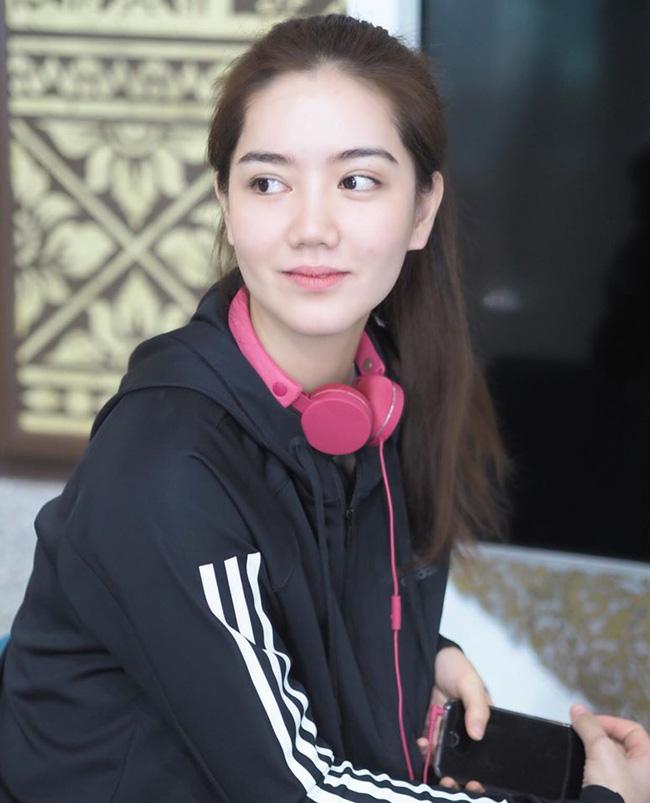 """Nữ VĐV đẹp nhất Thái Lan: """"Thiên thần"""" cầu lông xinh như hoa hậu - Ảnh 2."""