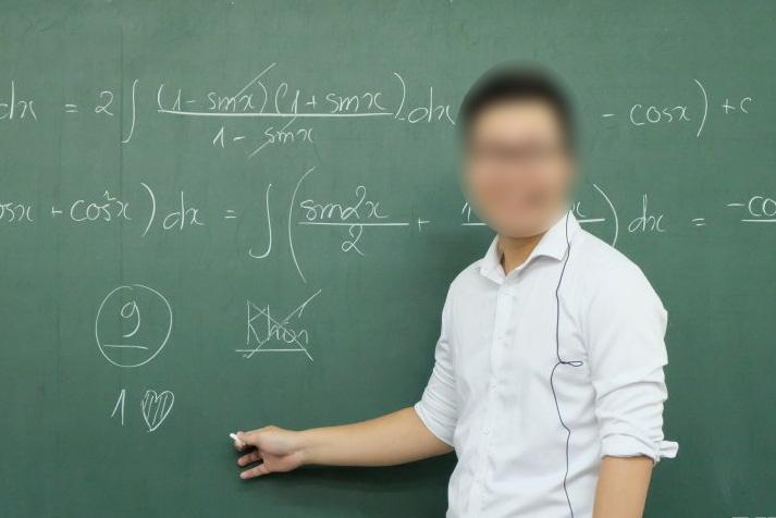 Sở GD-ĐT Hà Nội đề nghị công an xác minh vụ thầy dạy toán bị tố giúp học sinh gian lận - Ảnh 1.