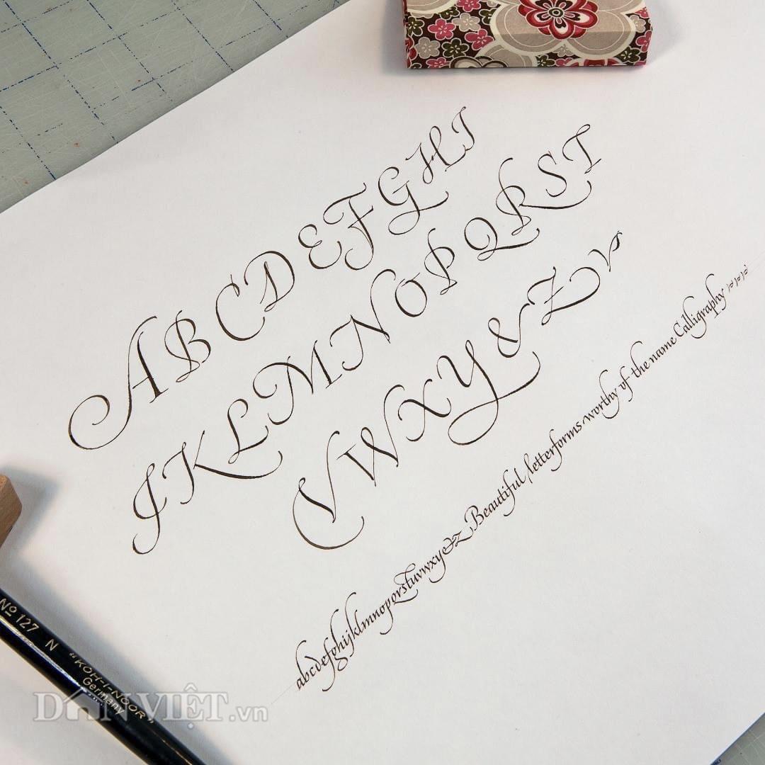 """Gặp """"phù thủy"""" của những chiếc bút và nét chữ thư pháp phương Tây - Ảnh 12."""