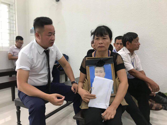 Xét xử sơ thẩm vụ nam sinh Grab bị sát hại ở Hà Nội - Ảnh 4.