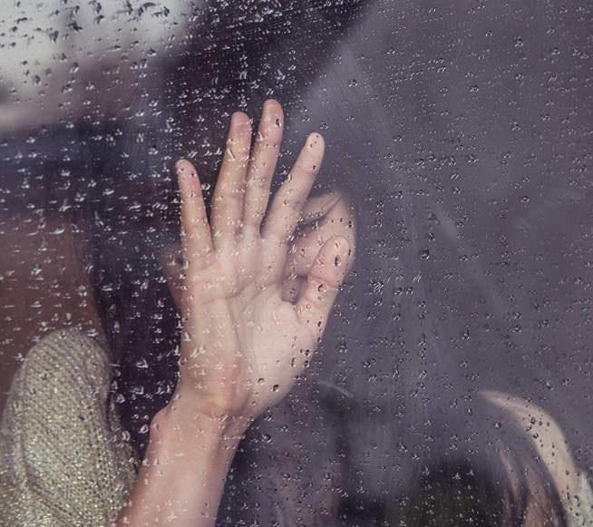 Giật mình về sức khỏe tình dục của nhóm phụ nữ, trẻ em gái dễ bị tổn thương - Ảnh 1.