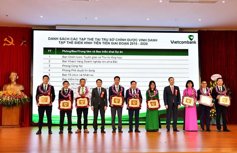 Hội nghị Điển hình tiên tiến Ngân hàng TMCP Ngoại thương Việt Nam lần thứ V - Ảnh 6.