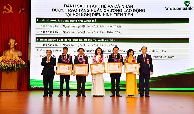 Hội nghị Điển hình tiên tiến Ngân hàng TMCP Ngoại thương Việt Nam lần thứ V - Ảnh 1.
