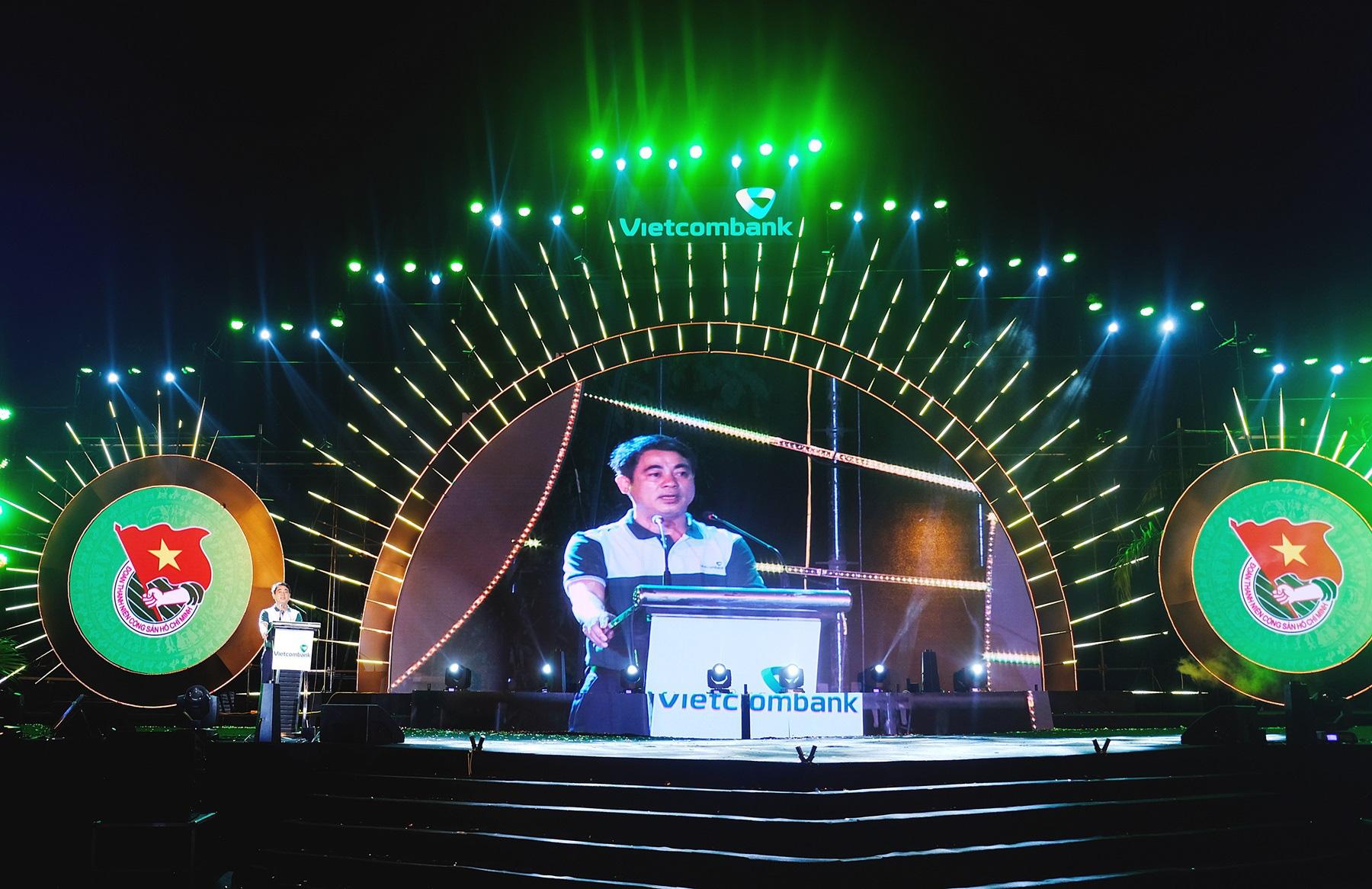 """Hội trại """"Tuổi trẻ Vietcombank – Sắt son niềm tin với Đảng"""" hướng tới chào mừng Đại hội Đảng các cấp - Ảnh 1."""