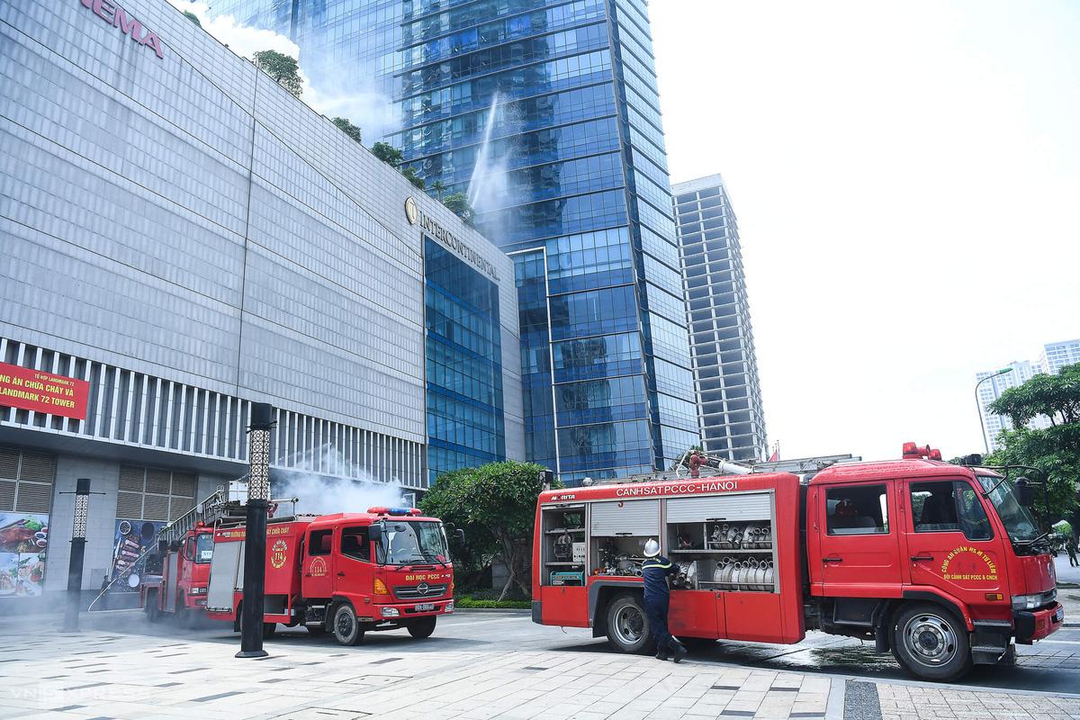 Diễn tập PCCC tại tòa nhà cao nhất Hà Nội - Ảnh 3.