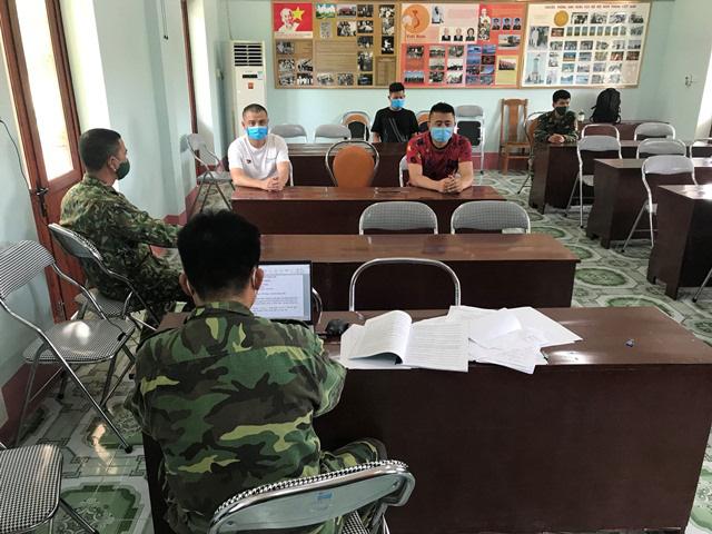 Lại bắt giữ 3 người Trung Quốc nhập cảnh trái phép vào Việt Nam - Ảnh 1.