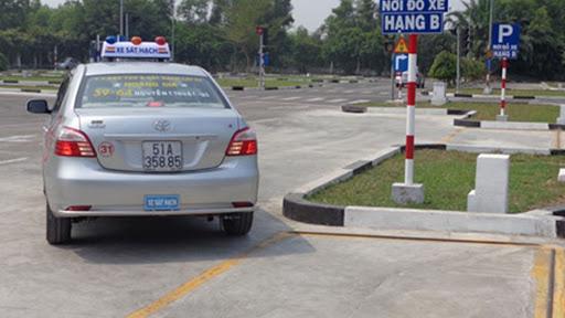 Thực hư thông tin giấy phép lái xe B1 không được lái ô tô gây tranh cãi - Ảnh 1.