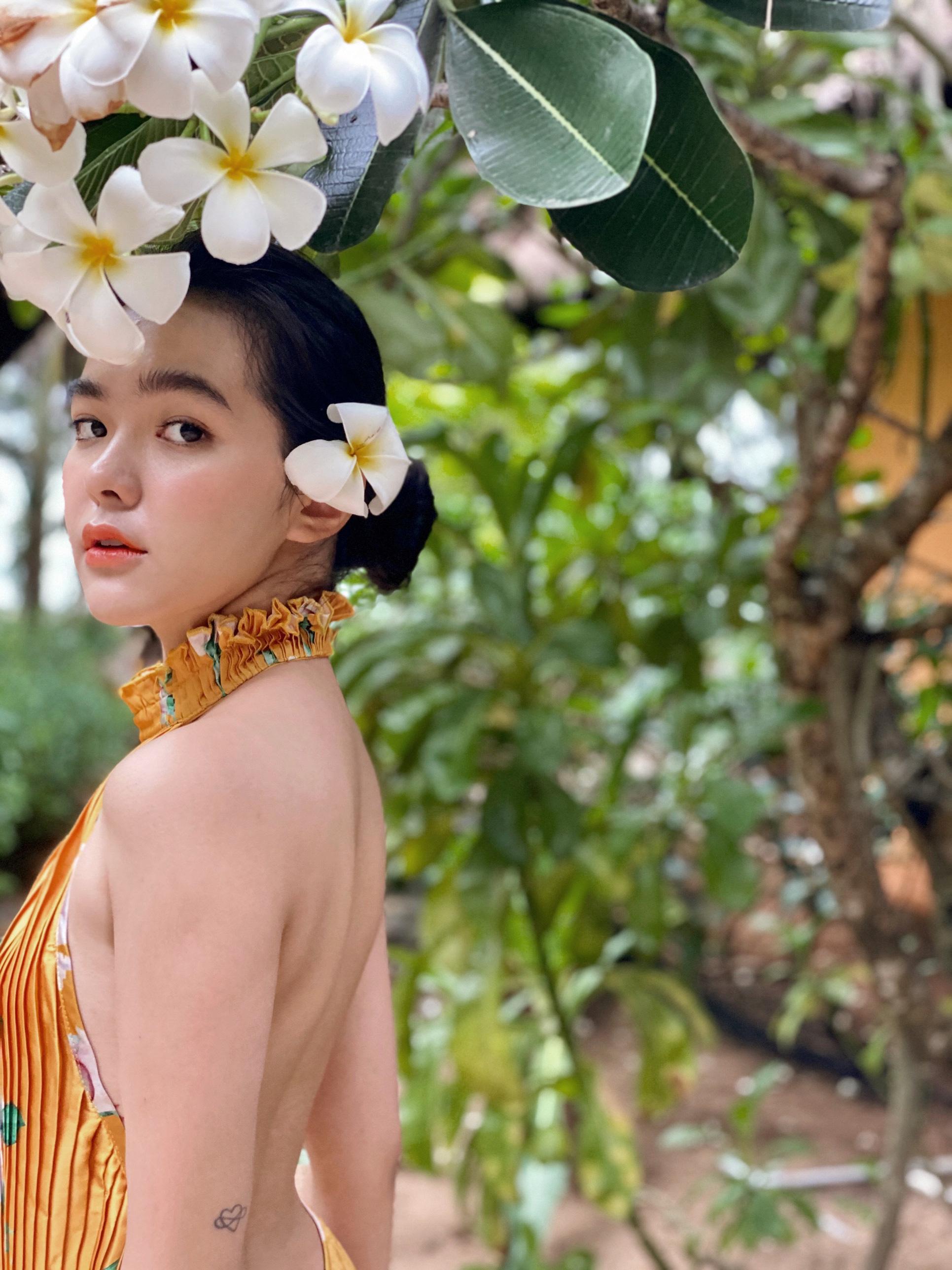 """Hot girl đọc sách trong thư viện mang 3 dòng máu Thái - Việt - Trung bị chụp lén """"vạn người mê"""" là ai? - Ảnh 5."""