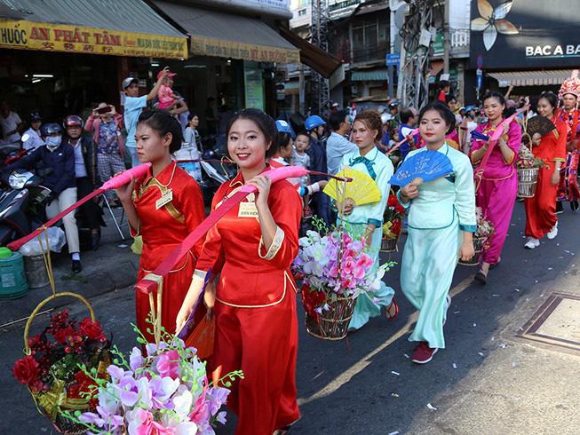 Tết Nguyên tiêu của người Hoa trở thành di sản văn hóa phi vật thể quốc gia - Ảnh 2.