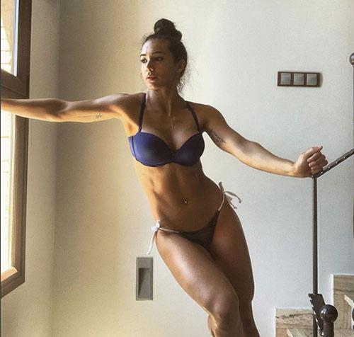 """Vợ """"Ronaldo của Argentina"""" khoe body vạm vỡ như lực sĩ - Ảnh 9."""