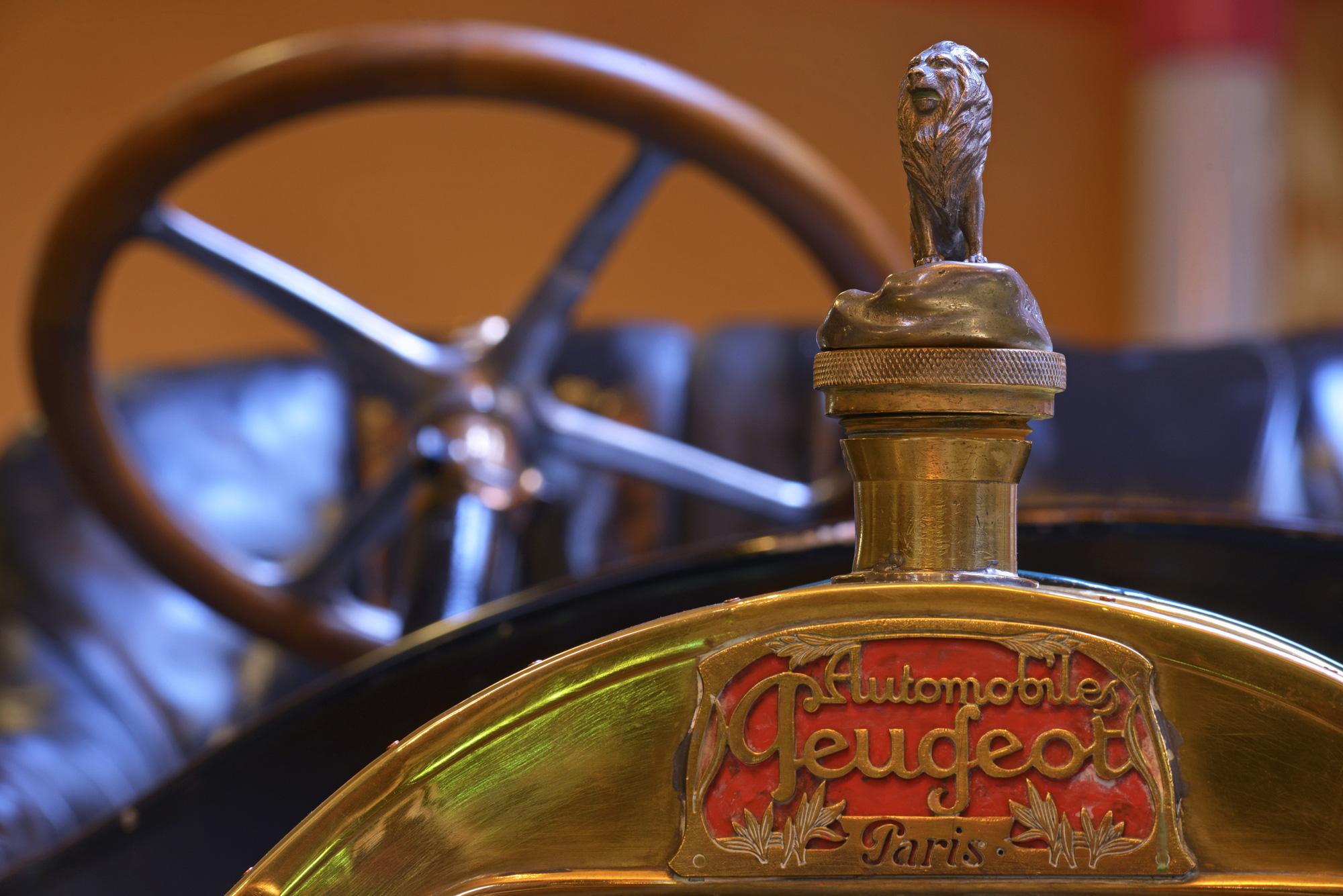 Vô-lăng D-cut: Điểm nhấn thiết kế riêng biệt của Peugeot - Ảnh 3.