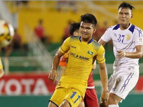 """9 tài năng bóng đá Việt """"chóng nở sớm tàn"""" gây luyến tiếc - Ảnh 5."""