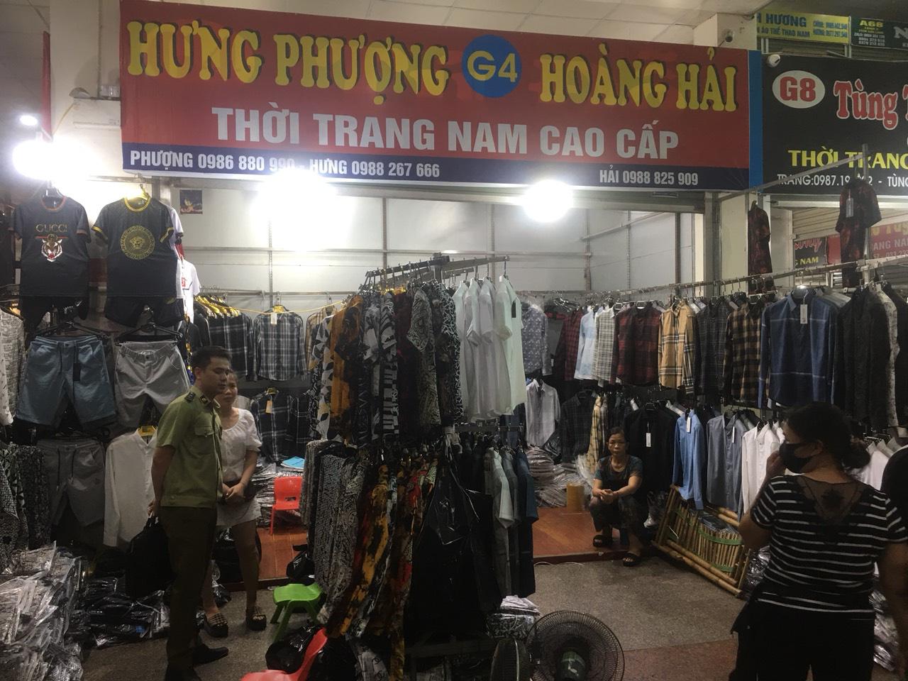 Tấn công khu Ninh Hiệp thu giữ gần 4.700 sản phẩm có dấu hiệu giả, nhái và hàng nhập lậu - Ảnh 4.
