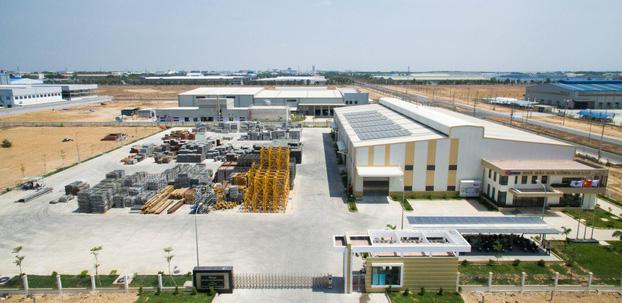 Coteccons có hệ sinh thái đa dạng và phức tạp. Trong ảnh là một nhà máy sản xuất phụ kiện xây dựng của Coteccons Group.