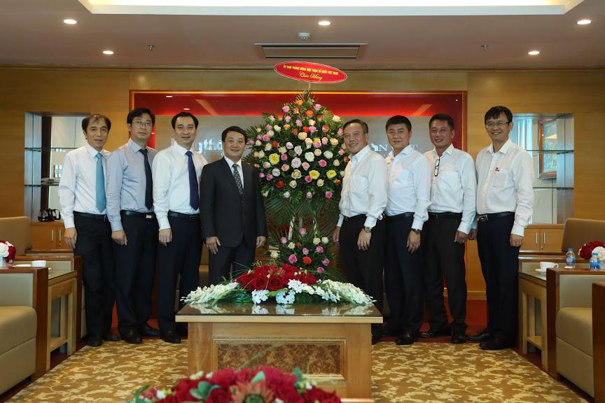 Phó Chủ tịch- Tổng Thư ký Ủy ban TƯ Mặt trận Tổ quốc Việt Nam thăm và chúc mừng Báo NTNN/Dân Việt - Ảnh 4.