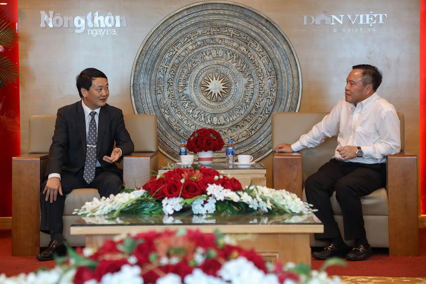 Phó Chủ tịch- Tổng Thư ký Ủy ban TƯ Mặt trận Tổ quốc Việt Nam thăm và chúc mừng Báo NTNN/Dân Việt - Ảnh 1.