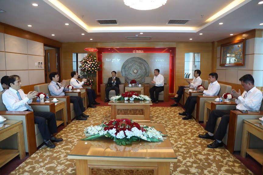 Phó Chủ tịch- Tổng Thư ký Ủy ban TƯ Mặt trận Tổ quốc Việt Nam thăm và chúc mừng Báo NTNN/Dân Việt - Ảnh 3.