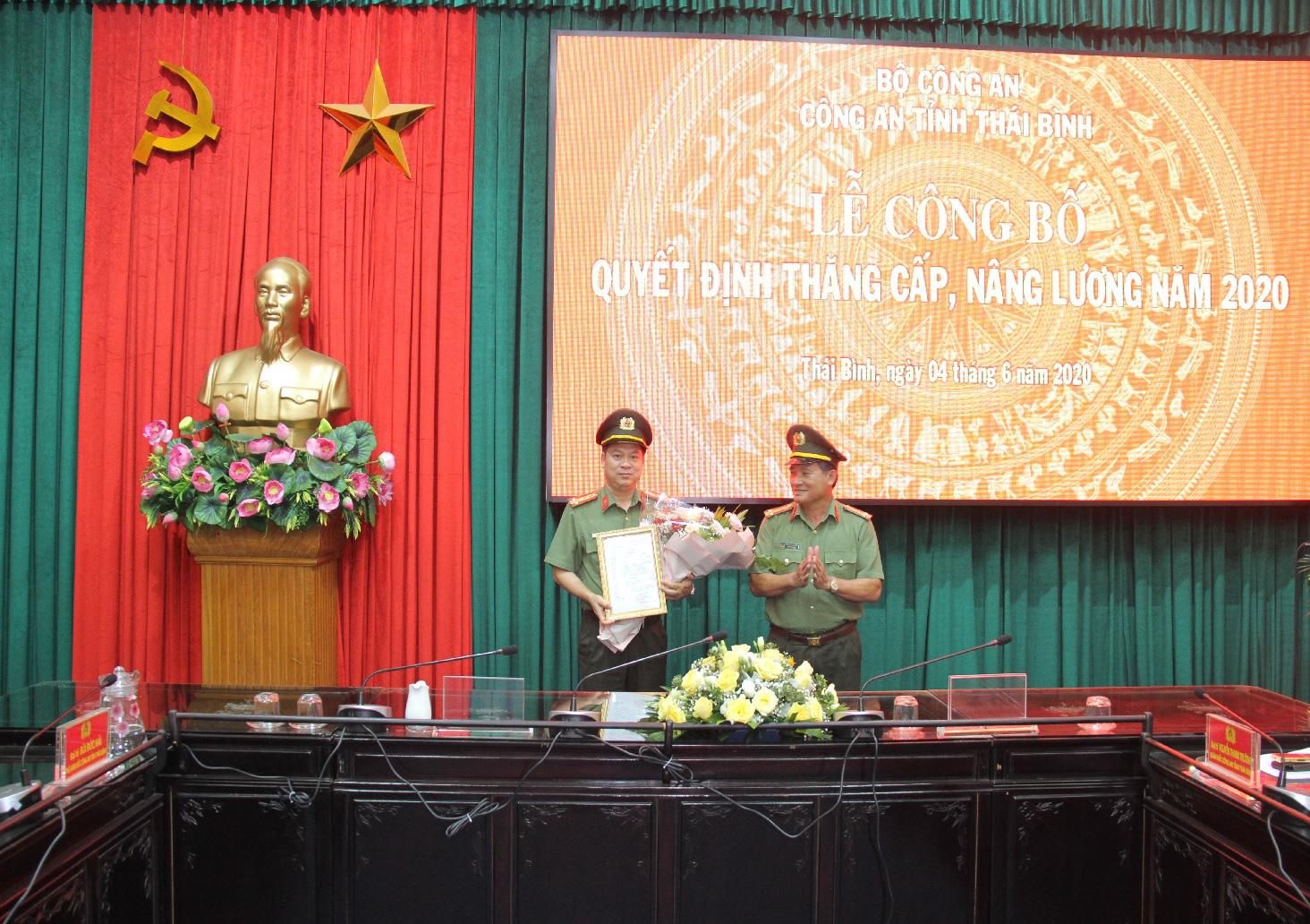 Giám đốc Công an Thái Bình Nguyễn Thanh Trường được thăng hàm đại tá - Ảnh 1.