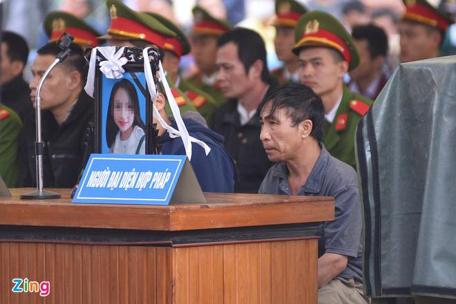 Bố nữ sinh giao gà ở Điện Biên kiến nghị không tử hình 6 bị cáo - Ảnh 2.