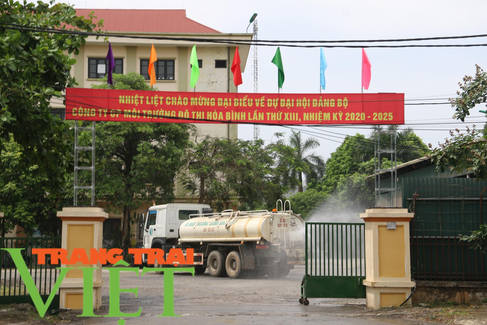 Hoà Bình: Người dân kêu trời vì rác chất đầy gần quảng trường - Ảnh 8.
