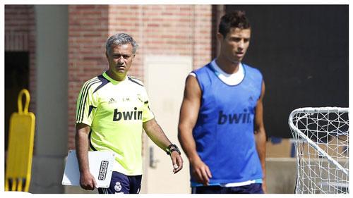 Ronaldo và Mourinho khi cả 2  làm việc ở Real Madrid.