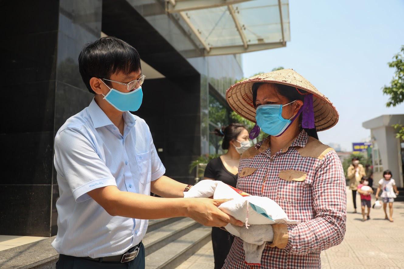 Dân Việt - Hành trình  10 năm thiện nguyện - Ảnh 12.