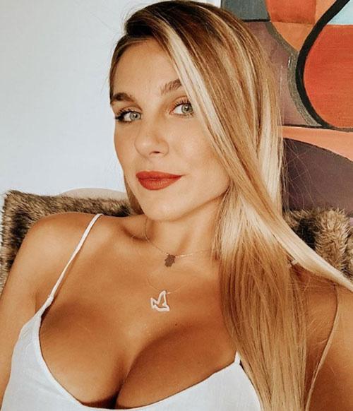 Buốt mắt vì cô em ruột sexy của Mauro Icardi - Ảnh 9.