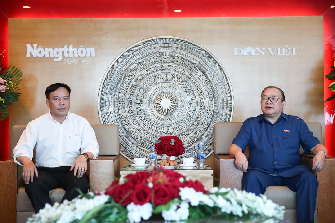 Chủ tịch Hội Nông dân Việt Nam ấn tượng với 1.001 cách làm giàu Dân Việt giới thiệu - Ảnh 1.