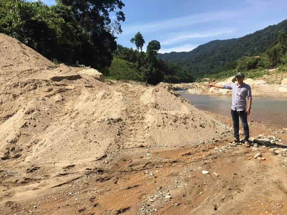 """Vụ ngàn khối cát bị rút ruột ở Nước Xa: Huyện kêu gọi """"cát tặc"""" đến nhận lại cát - Ảnh 1."""