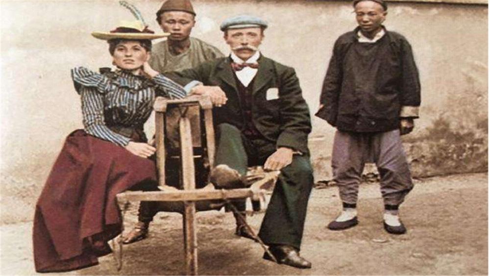 """Truyền thuyết chiếc bình gốm""""đắt giá nhất thế giới"""", mua 30 nghìn đồng, sau 92 năm được người cháu bán hàng trăm tỷ đồng - Ảnh 1."""