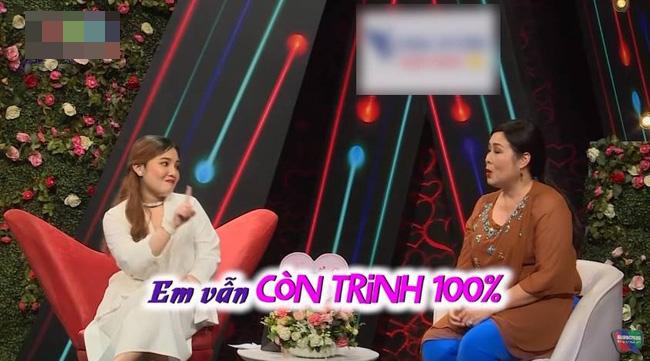 NSND Hồng Vân bị chê trách vì hỏi về trinh tiết của cô gái 21 tuổi trên sóng truyền hình - Ảnh 2.