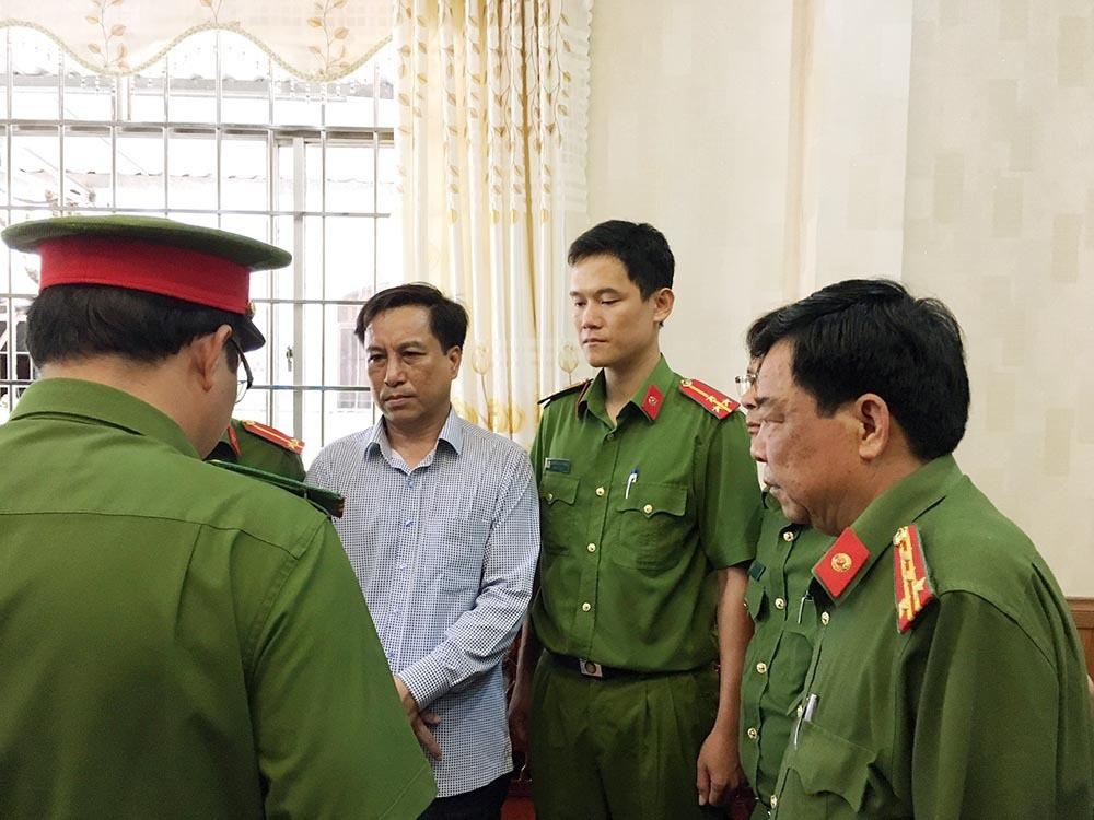 Cựu Chủ tịch TP.Trà Vinh bị cáo buộc cầm đầu vụ thất thoát hơn 70 tỷ đồng - Ảnh 1.