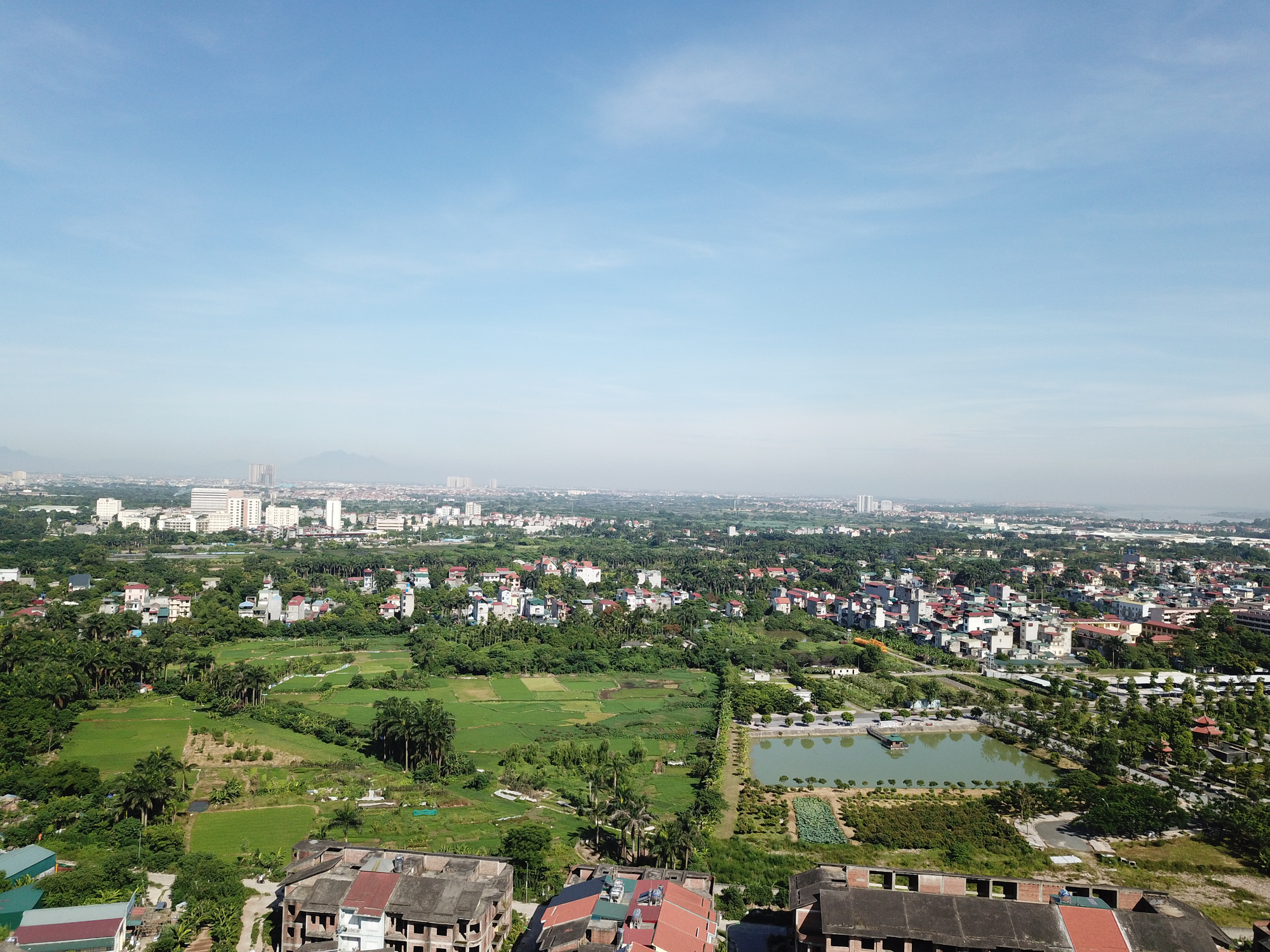 Cử tri đề nghị Hà Nội không 'biến' đất nhà tái định cư thành sân golf - Ảnh 1.