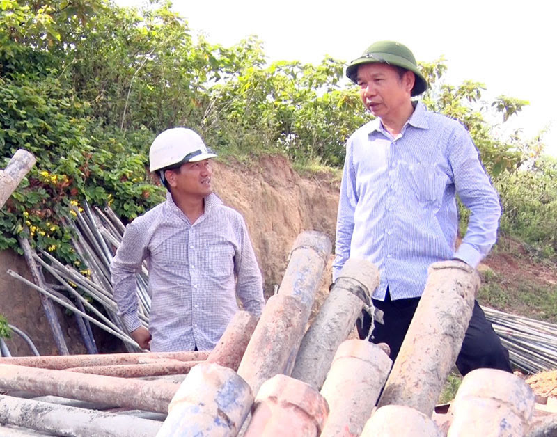 Cơ quan an ninh điều tra Công an tỉnh Thanh Hóa bắt PCT Thường trực HĐND Thị xã Nghi Sơn - Ảnh 1.