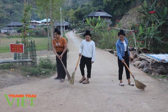Hội Nông dân Sơn La hiến đất, góp sức xây dựng nông thôn mới - Ảnh 1.
