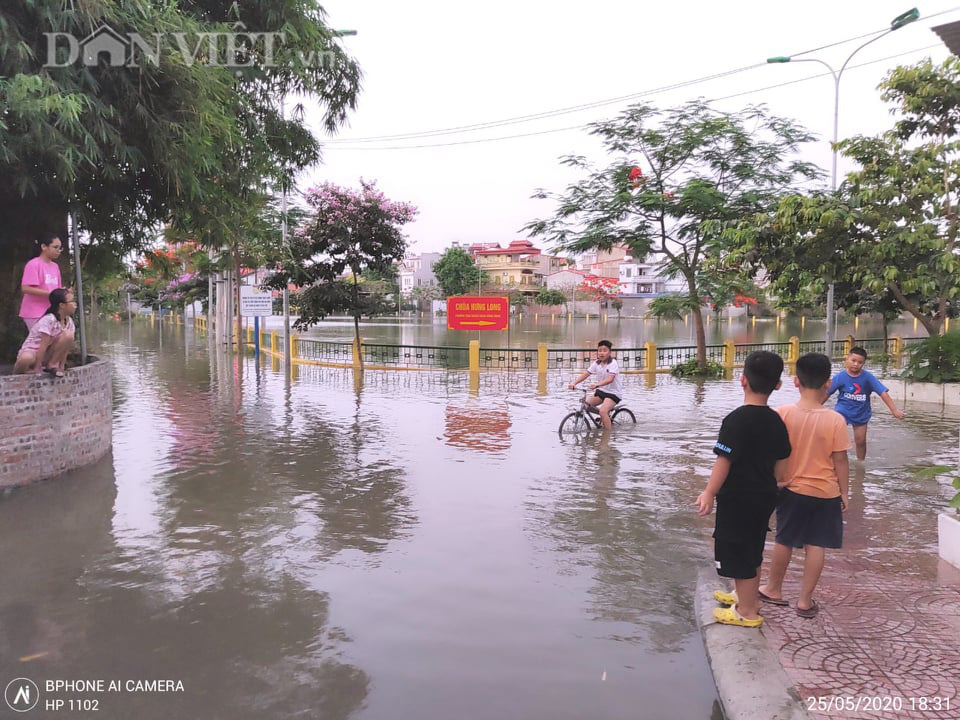 Hải Phòng: Dự án cải tạo hồ điều hòa phường Trại Chuối chưa làm xong đã xuống cấp - Ảnh 1.