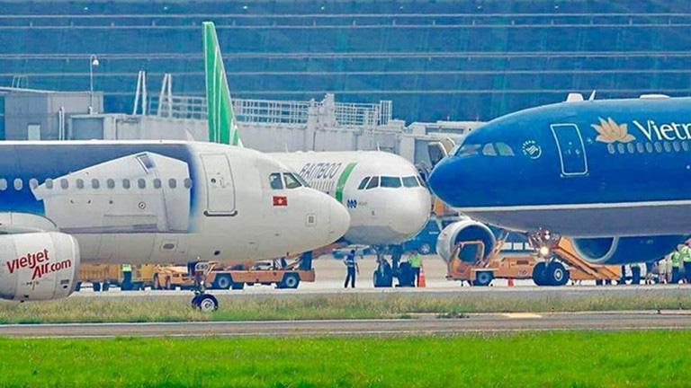 Nguyên nhân khiến tỷ lệ chuyến bay chậm, huỷ chuyến tăng cao trong 6 tháng đầu năm - Ảnh 1.
