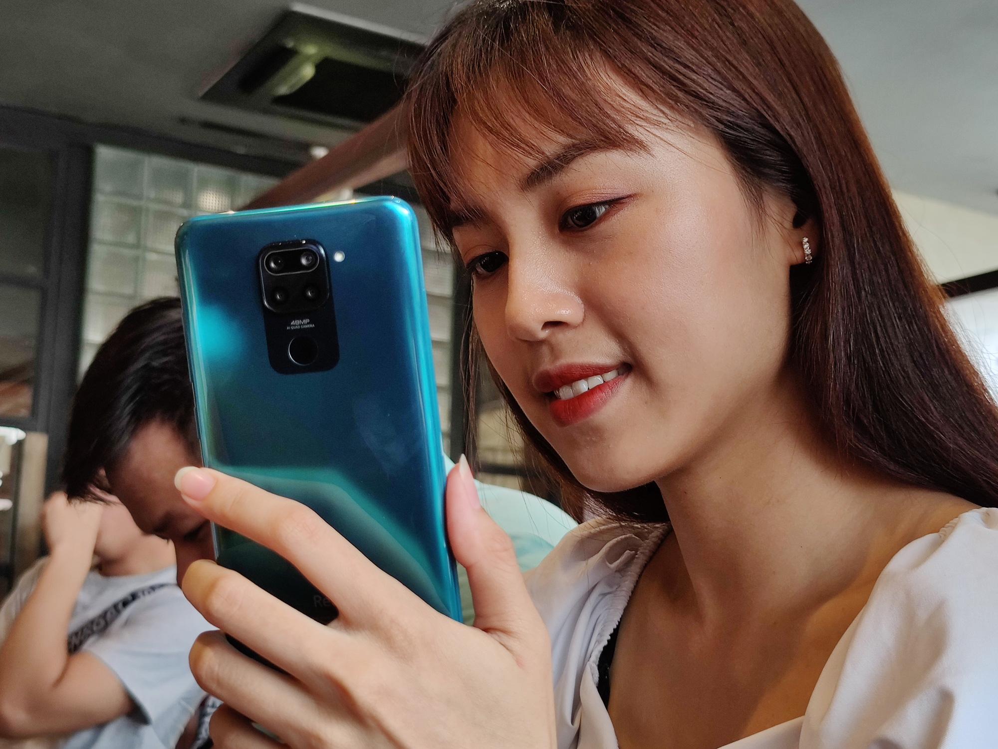 Vừa ra mắt vào tháng 5 nhưng giờ dòng Xiaomi Note 9 Pro phải giảm giá để... kích cầu! Ảnh: Trọng Hiền