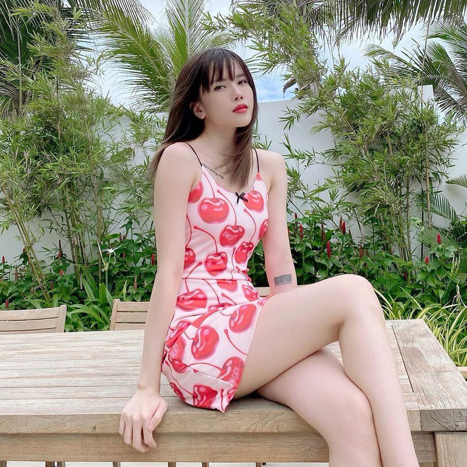 """Sam diện váy xẻ sâu """"đốt mắt"""" khán giả, Yaya Trương Nhi tích cực mặc đẹp """"thả thính"""" fan - Ảnh 3."""